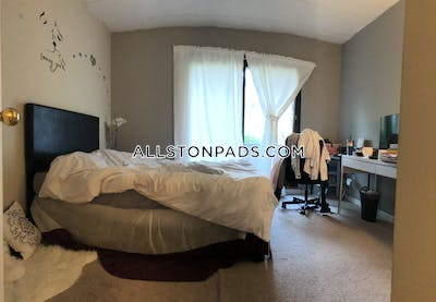 Allston 2 Beds 2 Baths Boston - $3,200