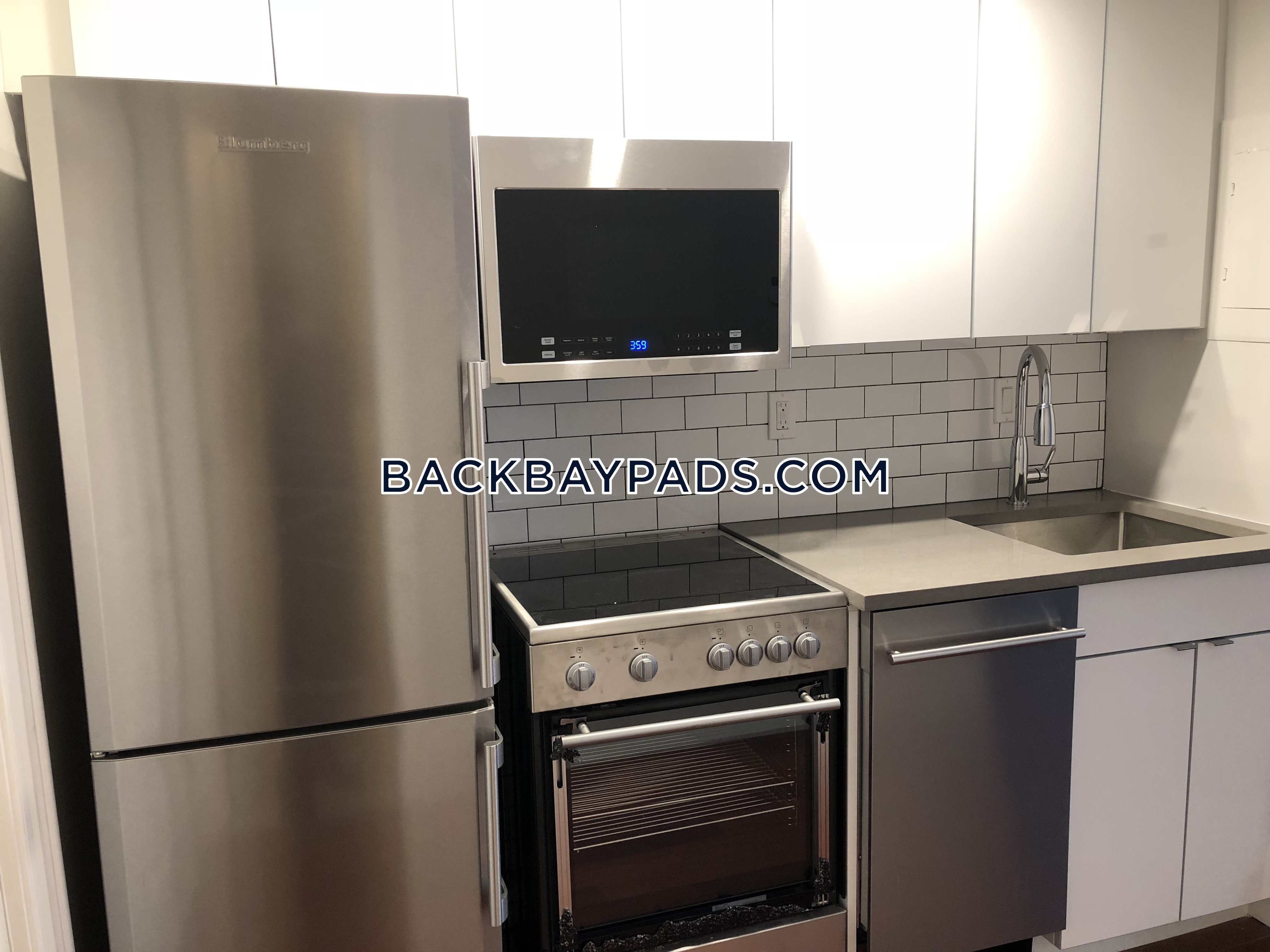 1 Bed 1 Bath - Boston - Back Bay $2,950