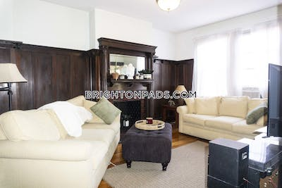 Brighton STUNNING 5 BEDROOM APARTMENT IN CLEVELAND CIRLCE!! Boston - $4,400