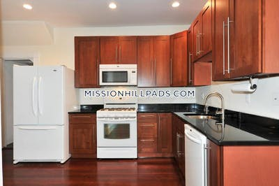 Mission Hill 6 Beds 3 Baths Boston - $6,900