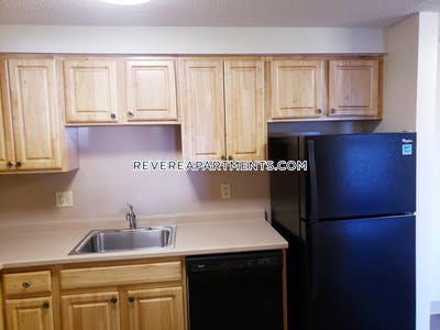 Revere Beautiful 2 bed 2 bath on Broadway - $1,950